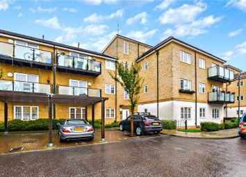 2 bed flat for sale in Talehangers Close, Bexleyheath, Kent DA6