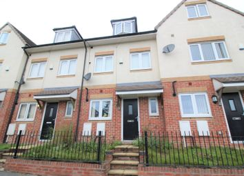 Thumbnail 4 bed town house for sale in Barnsley Road, Hemsworth, Pontefract