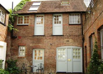 Thumbnail 2 bed flat to rent in High Street, Old Town, Hemel Hempstead