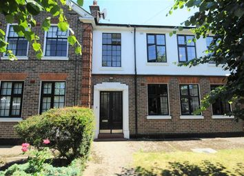 Thumbnail 2 bed flat for sale in Stapylton Road, Barnet, Herts