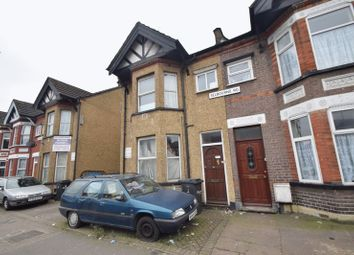 Thumbnail 1 bed flat to rent in Selbourne Road, Luton
