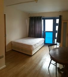 Thumbnail Room to rent in Langdon Road, Bromley South, Bromley, Kent