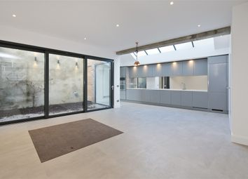 Thumbnail 2 bed property for sale in Parkside, Ravenscourt Park, Hammersmith