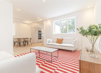 Golders Gardens, London NW11. 3 bed flat