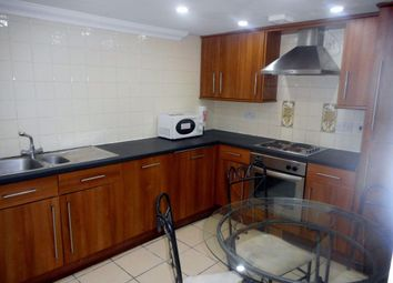 3 bed flat to rent in The Walk, Roath, Cardiff CF24