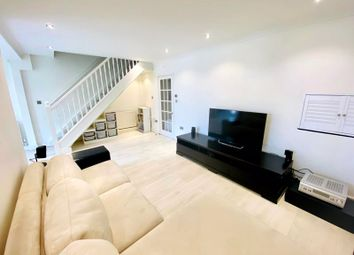 3 bed end terrace house for sale in Green Bank, London N12