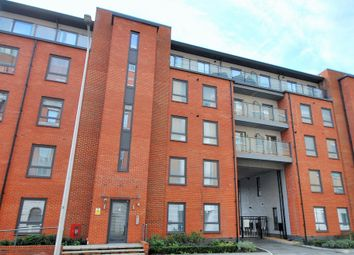 Thumbnail 2 bed flat to rent in Tudor Road, Reading