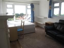Thumbnail Room to rent in East Drive, Brighton