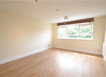 Thumbnail 2 bed flat to rent in Holden Road, Woodside Park, London