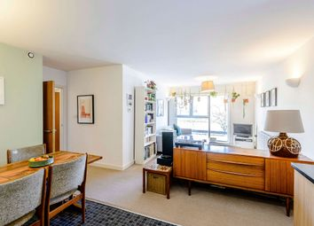 Cornwall Road, London N15. 2 bed flat for sale