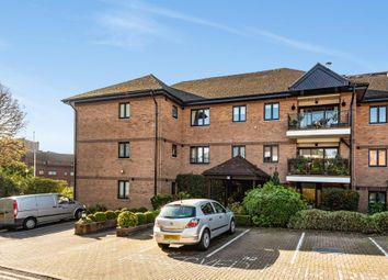 Thumbnail 2 bed flat for sale in Regents Park Road, Finchley