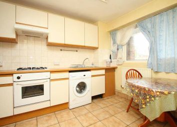 Thumbnail 3 bed maisonette to rent in Mile End, London