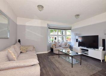 Handleys Court, Noak Bridge, Basildon, Essex SS15. 2 bed flat
