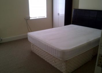 Thumbnail 5 bed property to rent in Tootal Road, Salford