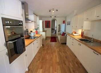 Thumbnail 6 bed terraced house to rent in Clarendon Close, Torquay