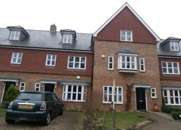 Thumbnail 3 bedroom town house to rent in Highgrove Avenue, Ascot