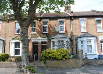 Thumbnail 1 bedroom flat to rent in Osborne Road, Westcliff-On-Sea