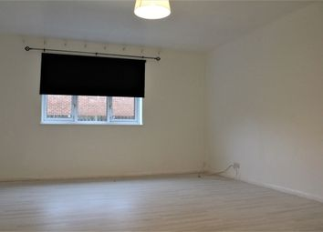 Thumbnail 1 bed flat to rent in Paxton Avenue, Slough, Berkshire