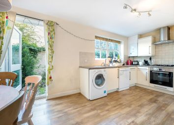 3 bed property for sale in Waldo Close, London SW4