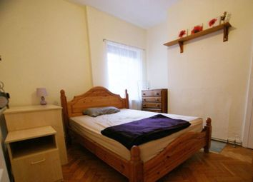 Thumbnail 2 bed flat to rent in Langthorne Street, Fulham, London
