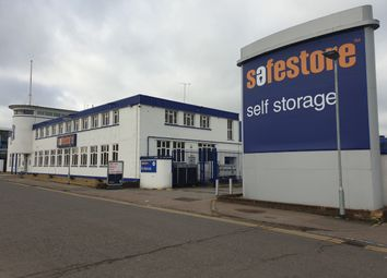 Thumbnail Warehouse to let in Safestore Self Storage, Stirling Way, Borehamwood
