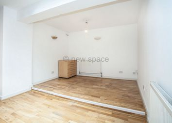 Thumbnail Studio to rent in Barrett's Grove, Dalston