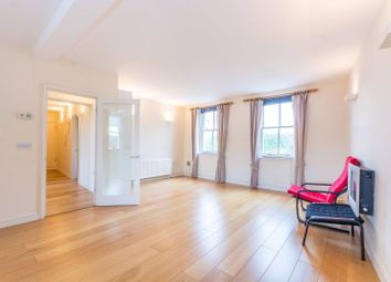 Thumbnail 2 bed flat for sale in Oakley Crescent, Angel, London