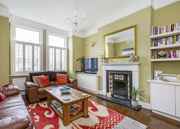 2 bed flat to rent in Byrne Road, London SW12