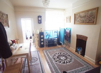 2 bed flat for sale in Green Lanes, Palmers Green, London N13