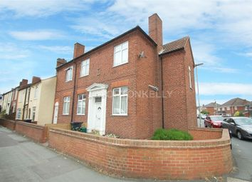 Thumbnail 1 bed property to rent in Commonside, Brierley Hill