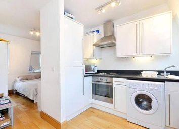 Thumbnail Studio to rent in High Road, East Finchley, London