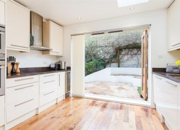 3 bed property to rent in Sandilands Road, Fulham SW6