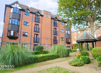 Thumbnail 2 bedroom flat for sale in Talbot Court, Reading, Berkshire