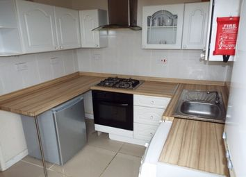 2 bed flat to let in Fox Road