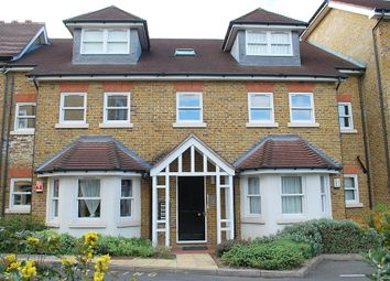 Thumbnail 2 bedroom flat to rent in Ravens Close, Surbiton