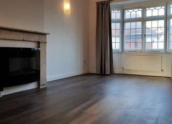 Thumbnail 2 bed flat to rent in A, Queens Mansion, South Croydon, London