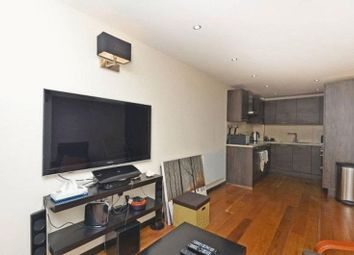 2 bed flat to rent in Essex Road, London N1