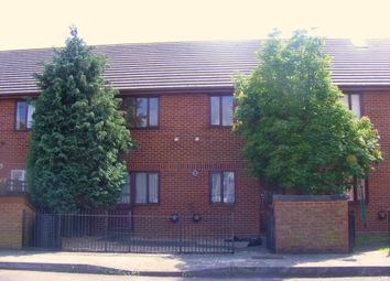2 bed flat to rent in King Street, Southsea PO5