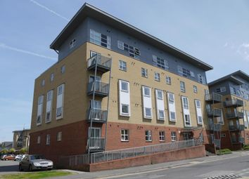 Thumbnail 1 bed flat to rent in Hepburn Court, Station Road, Borehamwood