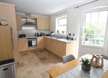 3 bed town house for sale in Liverymen Walk, Greenhithe DA9