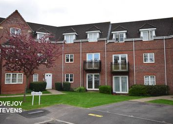 Thumbnail 2 bedroom flat to rent in Hawthorne Close, Thatcham