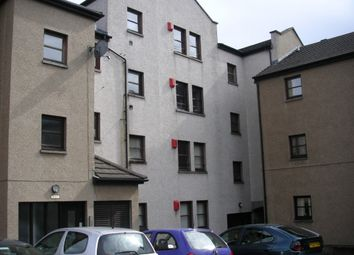 3 bed flat to rent in Weavers Loan - Dons Road, Coldside, Dundee DD3