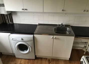 Thumbnail 2 bed flat to rent in Lansdowe Road, London, Bruce Grove