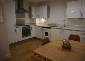 2 bed flat to rent in Bute Crescent, Cardiff Bay CF10