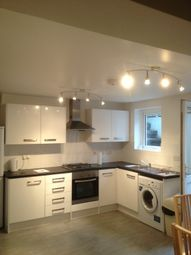 Thumbnail 2 bed flat to rent in 2 Bedroom Flat, Goulton Road, Hackney
