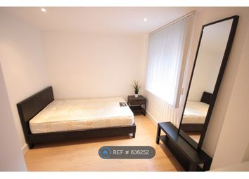 Thumbnail Room to rent in Vauxhall Bridge Road, London