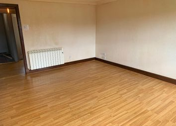 Thumbnail 4 bed flat to rent in Chapelle Crescent, Tillicoultry
