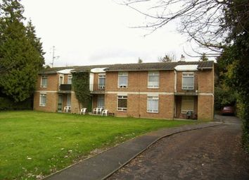 Thumbnail Flat to rent in Old Lodge Lane, Purley