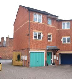 Thumbnail 3 bed town house to rent in Clovelly Court, Broadway, Derby