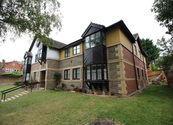 Thumbnail 2 bed flat to rent in Walkers Place, Reading, Berkshire